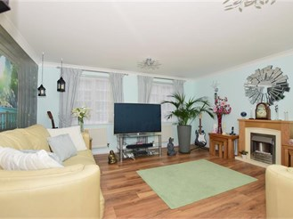 4 bedroom detached house in Minster On Sea, Sheerness