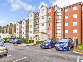 2 bedroom third floor retirement flat in Cliftonville, Margate