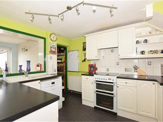 3 bedroom end of terrace house in East Malling, West Malling