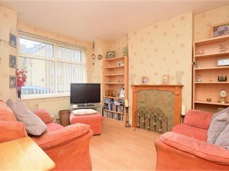 3 bedroom end of terrace house in Folkestone