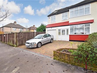 6 bedroom semi-detached house in Shirley, Croydon