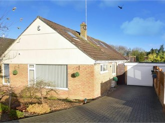 3 bedroom chalet bungalow in Etchinghill, Folkestone