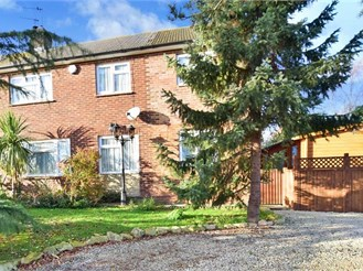5 bedroom semi-detached house in St Mary Hoo, Rochester