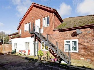 2 bedroom first floor maisonette in Staplehurst