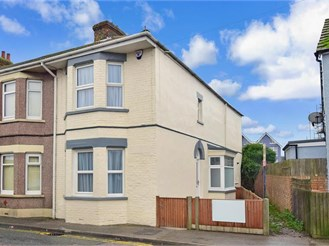 3 bedroom end of terrace house in Sheerness