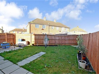 3 bedroom end of terrace house in Elvington, Dover