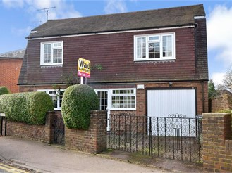 3 bedroom detached house in Sturry, Canterbury