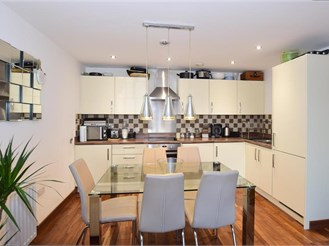 2 bedroom second floor apartment in Whitstable