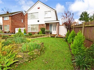 3 bedroom detached house in River, Dover