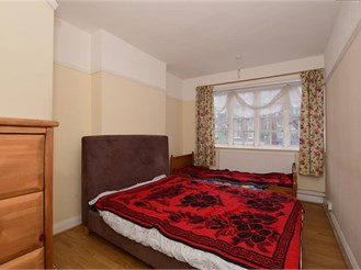 2 bed first floor apartment in Purley