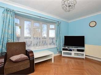 2 bedroom ground floor flat in Barking