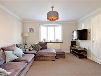 3 bedroom detached house in Tonbridge