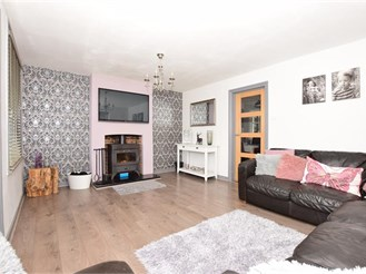 3 bedroom semi-detached house in Linton, Maidstone