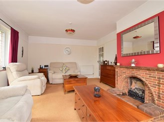 6 bedroom detached bungalow in Weavering, Maidstone