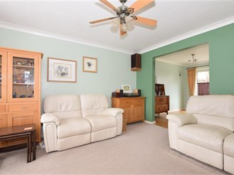 4 bedroom semi-detached house in Willesborough, Ashford