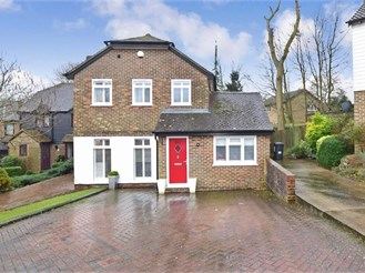 4 bedroom link-detached house in Walderslade, Chatham