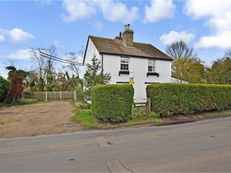 4 bedroom detached house in Stourmouth, Canterbury