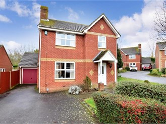 4 bedroom detached house in Kennington, Ashford