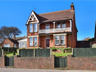 4 bedroom detached house in Upstreet, Canterbury