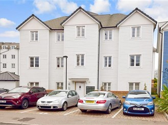 2 bedroom first floor apartment in Tonbridge