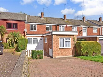 4 bedroom terraced house in Cuxton, Rochester