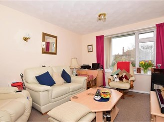2 bedroom top floor flat in Cliftonville, Margate