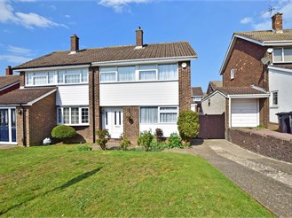 3 bedroom semi-detached house in Northfleet, Gravesend