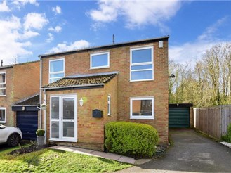 4 bedroom detached house in New Ash Green, Longfield