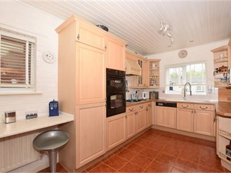 4 bedroom detached house in East Malling, West Malling