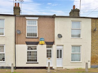 3 bedroom terraced house in Sheerness