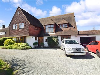 6 bedroom detached house in Gravesend