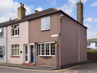 2 bedroom end of terrace house in Walmer, Deal