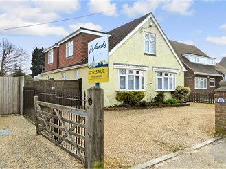 3 bedroom chalet bungalow in Walderslade, Chatham