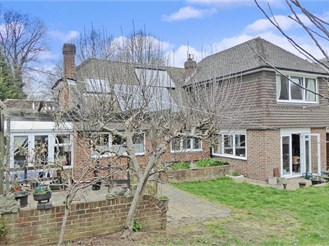 4 bedroom chalet bungalow in Walderslade, Chatham