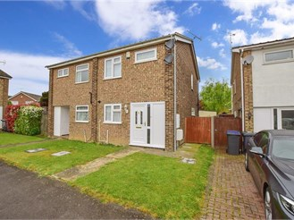 2 bedroom semi-detached house in Herne Bay