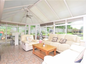 4 bedroom detached bungalow in Whitstable