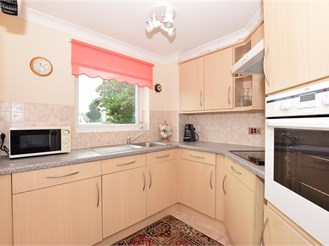 1 bedroom second floor retirement flat in Cliftonville, Margate