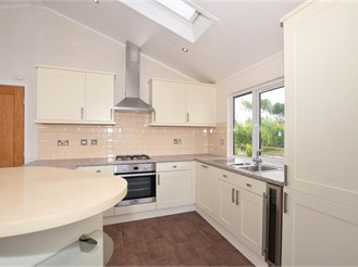 2 bedroom park home in East Malling