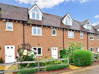 4 bedroom town house in Hoo, Rochester