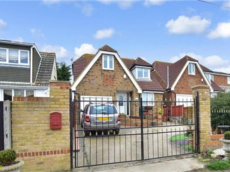 4 bedroom detached house in Warden Bay, Sheerness