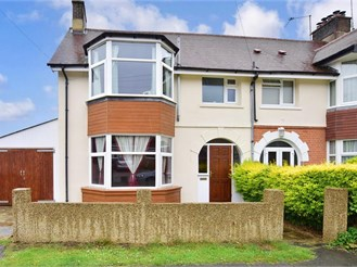 3 bedroom end of terrace house in Crowborough