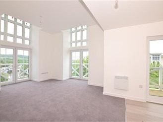 2 bedroom penthouse flat in Holborough Lakes, Snodland
