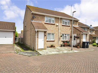 2 bedroom semi-detached house in Margate