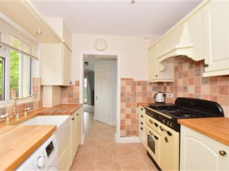 2 bedroom end of terrace house in Upchurch