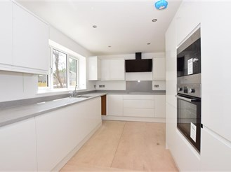 4 bedroom detached house in Broadstairs