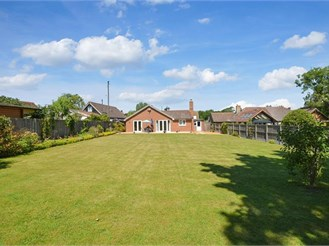 4 bedroom detached bungalow in Yorkletts, Whitstable