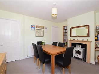 2 bedroom terraced house in Halling, Rochester