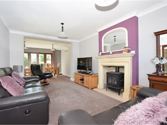4 bedroom detached house in Strood, Rochester
