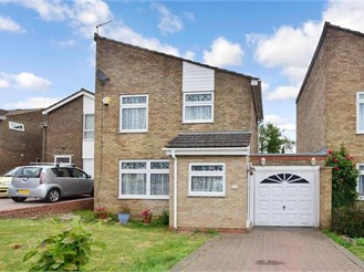 3 bedroom link-detached house in Strood, Rochester