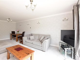 4 bedroom detached bungalow in Medway, Rochester